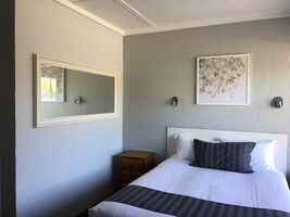 Family Room - Accommodation - Nicholas Royal Motel - Hay NSW