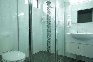 Nicholas Royal Motel - Accommodation - Hay, NSW - Queen Room